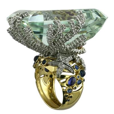 Кольцо с бриллиантами, сапфирами, рубинами и бериллом, Золото 750
