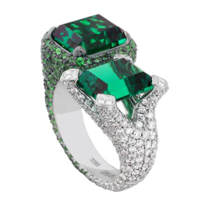 Кольцо с бриллиантами,тсаворитами и изумрудами, Золото 585